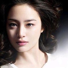 Beautiful Asian Girls, Gorgeous Women, Korean Beauty, Asian Beauty, Kim Tae Hee, Back To School Fashion, Korean Star, Pretty Face, Pretty Woman