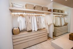 You must have a good walk in closet, so master bedroom designs with walk in closets must come easy after you take a look at our suggestion list. Walk In Closet Design, Bedroom Closet Design, Closet Designs, Master Bedroom Design, Bedroom Designs, Walking Closet, Dream Home Design, Home Interior Design, Dressing Room Design