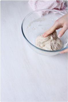 Faire son pain maison sans machine à pain - chefNini Best Bread Recipe, Bread Recipes, 20 Min, Feta, Place, Cooking, Pizza, Decor, Recipes