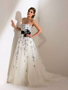Second Time Around Wedding Dresses Bridesmaid Go With A White And Black Dress
