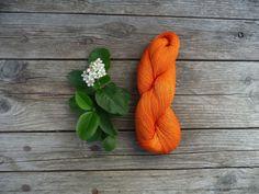 orange Linen Yarn for your handmade creations от YarnStories, $6.00