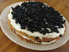 Hiton hyvä mustikka-kaurakakku   Kaksi Murua Blueberry Oat, Funny Cake, Sweet Pastries, Piece Of Cakes, Pretty Cakes, Yummy Cakes, Gluten Free Recipes, Sweet Recipes, Food To Make