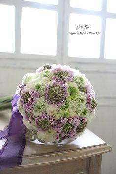 ブーケ紫 Wedding Flower Arrangements, Flower Bouquet Wedding, Pastel Bouquet, Bride Bouquets, Purple Wedding, Marie, Bridal, Kissing, Balls
