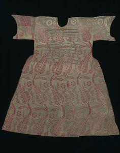 Turkey, child's kaftan, silk lampas with some pattern wefts of gilt-metal thread, 16th c