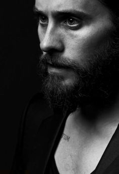 Image discovered by jcfont. Find images and videos about sexy, black and white and jared leto on We Heart It - the app to get lost in what you love. Christopher Plummer, Foto Portrait, Portrait Photography, Men Portrait, Fashion Photography, Male Portraits, Pretty People, Beautiful People, Shannon Leto