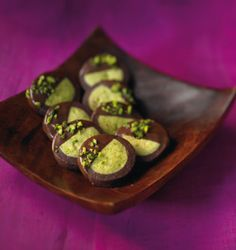 Schwarz-Grün-Gebäck Rezept Recipe for black and green pastries when eating and drinking. A recipe for 160 people. And other recipes … Galletas Cookies, Xmas Cookies, Keto Cookies, Cake Cookies, Italian Pastries, Italian Desserts, Italian Recipes, Italian Foods, Christmas Sweets