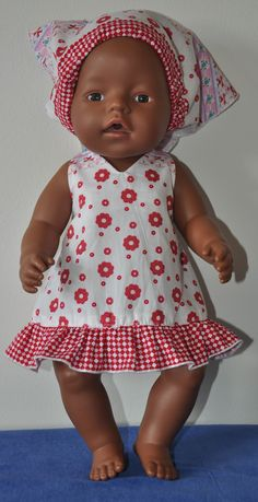 voor patronen poppenkleertjes zie www.wollyonline.nl