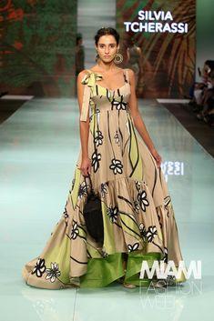 Silvia Tcherassi Runway - Miami Fashion Week Long Midi Dress, Miami Fashion, Max Azria, Beautiful Gowns, Get Dressed, Casual, Dress Outfits, Look, Dressing