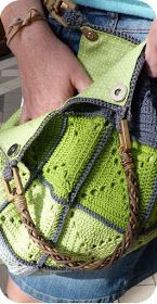 Ideas Crochet Granny Square Throw Stitches For 2019 Sac Granny Square, Point Granny Au Crochet, Crochet Squares, Crochet Stitches, Crochet Diy, Crochet Cross, Love Crochet, Crochet Handbags, Crochet Purses