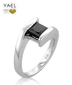Gender neutral engagement ring, nice