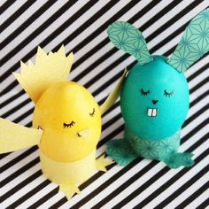 Make cute chicks and bunnies from plain eggs with this awesome tutorial. Free template and step-by-step instructions.