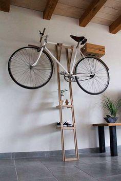 Soportes de pared para colgar bicicletas: a modo de escalera