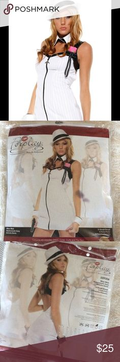 Forplay Miss Mob Costume Forplay gangster female mafia dress costume. Fit right in with La Cosa Nostra with this sexy Miss Mob gangster costume by Forplay! Featuring a sexy zip front dress, collar, cuffs and a cute little toy gun, this sexy costume will give you the perfect Bonnie and Clyde look! Sz XS White Forplay Other