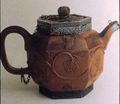 China Yixing teapot with siver lid Teapots And Cups, Ceramic Teapots, Chinoiserie, Yixing Teapot, Oolong Tea, Flower Tea, Chinese Tea, Tea Art, Tea Service