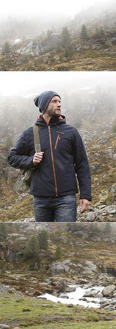 Auf deiner nächsten Hikingtour wird die Vaude Winterjacke zum treuen Begleiter. Das zweilagige, atmungsaktive Obermaterial nimmt es mit jedem Wetter auf – und dank des modernen Designs ist sie darüber hinaus extrem alltagstauglich.