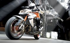 Kawasaki Z1000-1680-1050 HD Widescreen Wallpapers