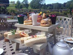 A Picnic Bench Afternoon Tea!
