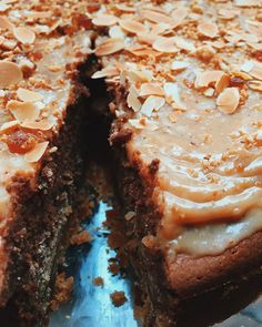 Caramel Zeezout Cake! #kerkstraat #amsterdamfoodies #cakelovers #laviniastyle