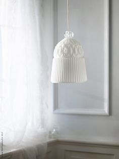 VANADIN Pendant lamp IKEA Each lamp is unique because the glass is mouthblown. Gives a general light. House Lamp, White Chic, Pendant Lamp, Pendant Lighting, Decoration, Lighting Design, Home Furnishings, Home Accessories, Mid-century Modern