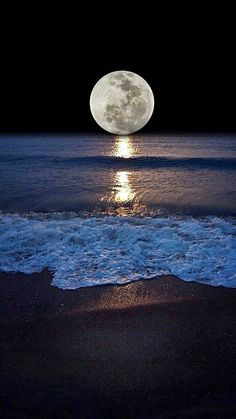 Shoreline and the moon. Moonlight and Night Sea View Beautiful Nature Wallpaper, Beautiful Moon, Beautiful Landscapes, Beautiful World, Beautiful Places, Moon Photography, Landscape Photography, Moonlight Photography, Shoot The Moon