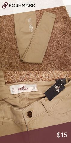 Hollister Super Skinny Khaki Jeans. Khaki super skinny jeans. No holes. NWT. Size 0 Regular. Smoke free home. Hollister Jeans Skinny