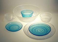 Oiva Toikka-Kastehelmi Glass <3 Kosta Boda, Divine Light, Nordic Design, Kitchen Cupboards, Glass Collection, Glass Design, Wabi Sabi, Decorative Bowls, Architecture Design