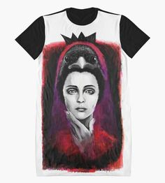Carla Regina Mourisca     available for sale @ http://www.redbubble.com/people/creginamourisca #handdraw #draw #illustration #fashionillustration #fashion #crow #redbubble #raven #london #queen #face #portrait #draw 1#brushes #brushesstrokes