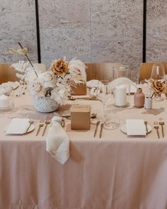 I feel like our nude blush tablecloths were just made for Styled by with Wedding Trends, Wedding Designs, Wedding Styles, Beautiful Table Settings, Wedding Table Settings, Wedding Reception Flowers, Floral Wedding, Decoration Table, Reception Decorations