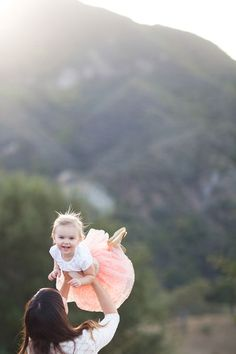 How To Take Beautiful Pictures With A Swing Inspiring Photos - Mother captures childhood joy photographs daughter