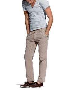v-neck + chinos + boat shoes = summer awesomness