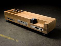 equipo de sonido colocado en un mueble - Buscar con Google
