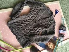 Cardigan Rose com Pérolas Lana, Knitting, Handmade, Fashion, Ladies Trench Coat, Wool Sweaters, Cardigan Sweater Outfit, Lion Craft, Wraps