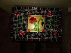tafelblad met klaprozen, combinatie glasfusie en glasmozaïek