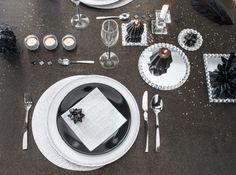 Vaisselle noir et blanche table de fete