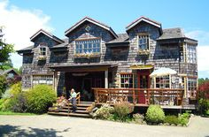 Restaurant en Puerto Varas - Chile Travel Around The World, Around The Worlds, Patagonia, Sweet Home, To Go, Cabin, Country, House Styles, Beautiful