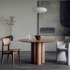 interior styling by Elisabeth Heier / photography by Ina K.Andersen for Houz Oslo Dinning Table, Table And Chairs, Beautiful Sofas, Room Interior Design, Interior Styling, High Quality Furniture, Chaise Lounges, Shop Interiors, Interior Accessories