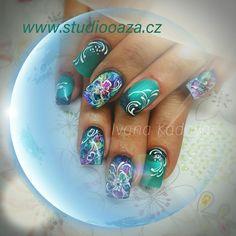 Nail art akvarel green