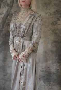 Edwardian Gown Silver Silk Wedding Dress on Etsy, Sold Edwardian Gowns, Edwardian Clothing, Edwardian Fashion, Vintage Fashion, Vintage Clothing, Vintage Gowns, Vintage Outfits, Period Outfit, Lace Bodice