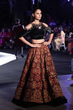 Manish Malhotra at Lakmé Fashion Week winter/festive 2016 - Page 5