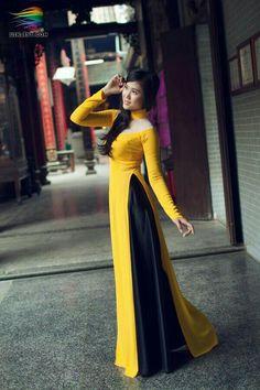 Side pleated look Pakistani Dresses, Indian Dresses, Indian Outfits, Stylish Dresses, Casual Dresses, Fashion Dresses, Kurta Designs Women, Blouse Designs, Indian Designer Outfits