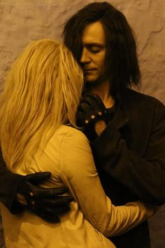 Tom Hiddleston and Tilda Swinton as Adam and Eve inOnly Lovers Left Alive[HQ]