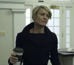 """13 Reasons Claire Underwood Of """"House Of Cards"""" Is A Fashion Icon"""