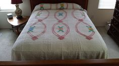 Vintage Chenille Bedspread White w Floral Chain Design