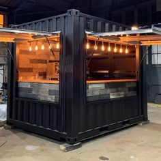 Cafe Shop Design, Kiosk Design, Cafe Interior Design, Boutique Interior, Container Coffee Shop, Container Cafe, Food Cart Design, Coffee Shop Aesthetic, Container Restaurant