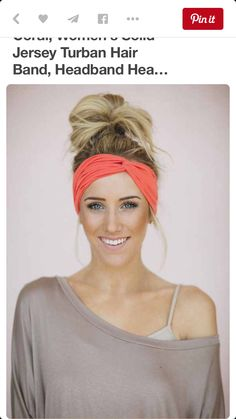 Let's have a look at this pretty cool and practical hairstyle for training; workout hairstyles for thick hair and gym hairstyles for curly hair. Workout Hairstyles, Cute Hairstyles, Braided Hairstyles, Blonde Hairstyles, Athletic Hairstyles, French Hairstyles, Lazy Day Hairstyles, Hairstyles Videos, Easy Hairstyle