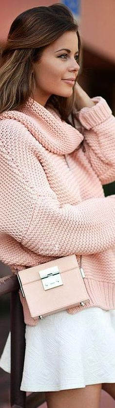 Soft pink always looks good for spring, Pink Fashion, Womens Fashion, Fashion Trends, Street Chic, Street Style, Collor, Couture, Pink Sweater, Sweater Fashion