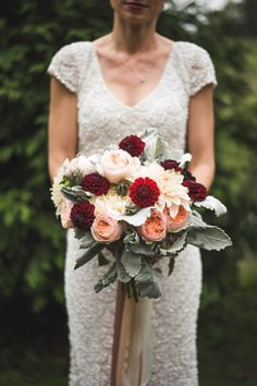 Winter bridal bouquet | Fete Photography
