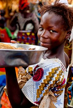 Wow, the colors in this photo are just fabulous! Kolflo in southern Mali, West Africa. Photo credit: Laura Cook.