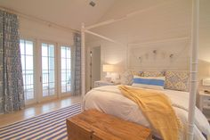 blue + white coastal bedroom   Meredith McBrearty   Geoff Chick