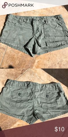 American eagle shorts! In perfect condition! Stretch material American Eagle Outfitters Shorts Cargos